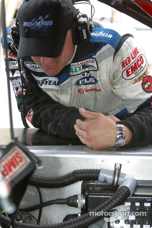 Un membre du Spirit of Daytona Racing