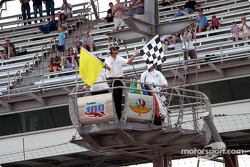 La course se termine sous drapeau jaune