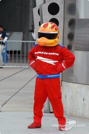 Le Firestone Firehawk attend dans la Victory Lane