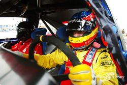 Timo Glock gives a prize Kazanan a lap, Nurburgring a modified Ford Mondeo