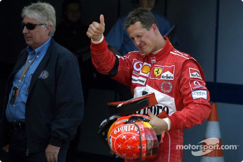 Yarış galibi Michael Schumacher