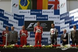 Podyum: Yarış galibi Michael Schumacher ve Rubens Barrichello ve Jenson Button