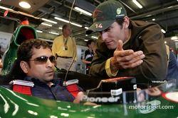 Indian cricketer Sachin Tandulkar ve Mark Webber