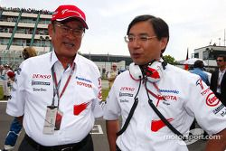 Başkanı, Toyota Motor Corporation Fujio Cho ve Keizo Takahashi gridde