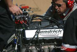 Énorme travail sur le moteur de la voiture de Ward Burton