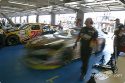 Joe Nemechek quitte le garage