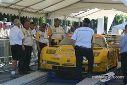 La Corvette C5-R du Corvette Racing arrive sur la scène 1