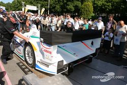 Champion Racing Audi R8 goes back to the track after scrutineering