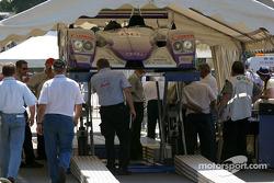 L'Audi R8 n°88 d'Audi Sport UK Team Veloqx sur la première scène