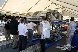 La Morgan Aero8 n°80 du Morgan Works Race Team sur la première scène