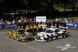 Photo d'équipe : le Seikel Motorsport et les pilotes Anthony Burgess, Phil Collins, Andrew Bagnall, Gabrio Rosa, Peter van Mersteijn, Alex Caffi
