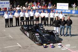 Photo d'équipe : Zytek Engineering et les pilotes Andy Wallace, David Brabham, Hayanari Shimoda
