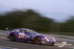 La TVR 400R n°89 du Synergy Motorsport (Bob Berridge, Chris Stockton, Michael Caine)