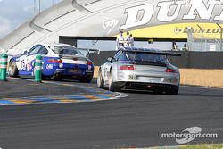 La Porsche 911 GT3 RS n°75 de Thierry Perrier (Ian Khan, Nigel Smith, Tim Sugden)