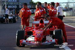 Ferrari va a inspección técnica