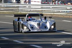La Lola Caterpillar n°10 du Taurus Sports Racing (Phil Andrews, Anthony Kumpen, Calum Lockie)