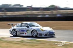 La Porsche 911 GT3 RSR n°77 du Choroq Racing Team (Kazuyuki Nishizawa, Haruki Kurosawa, Manabu Orido