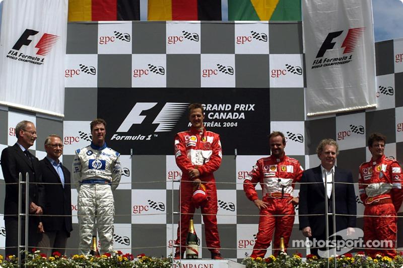 Podyum: Yarış galibi Michael Schumacher ve Ralf Schumacher ve Rubens Barrichello
