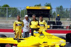 Nick Heidfeld, Guy Laliberté, Eddie Jordan and Timo Glock present the Message from Bahrain