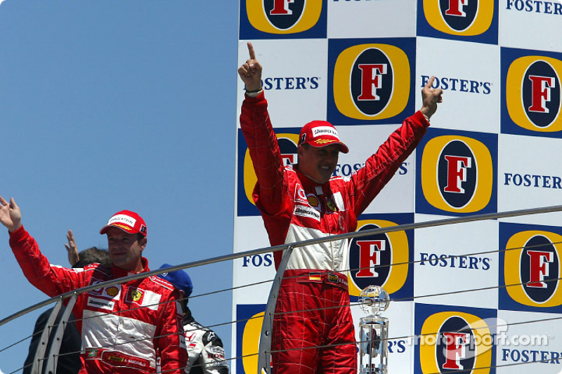 Podio: ganador de la carrera Michael Schumacher, segundo lugar Rubens Barrichello