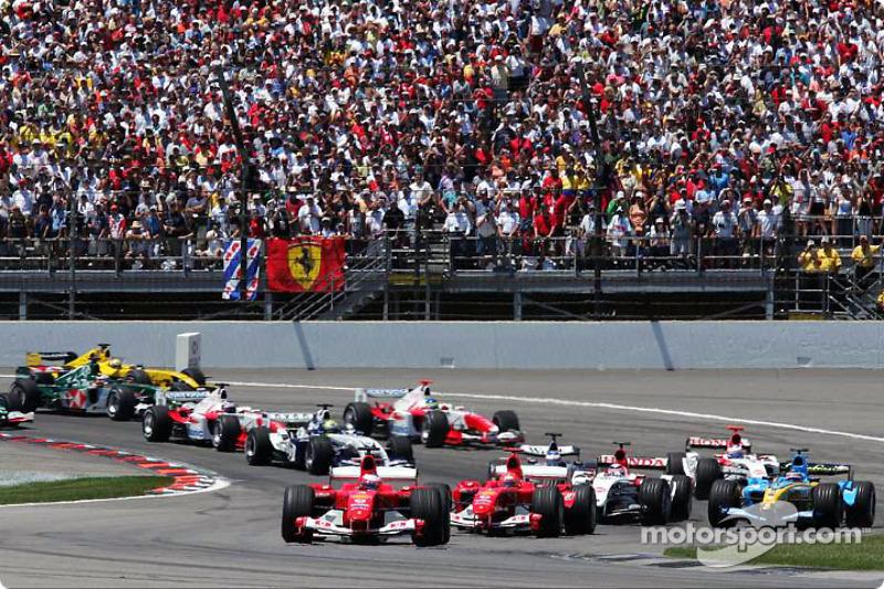 Start: Rubens Barrichello ve Michael Schumacher