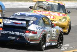 #47 Michael Baughman Racing Porsche GT3 Cup: Bob Ward, Michael Baughman spins