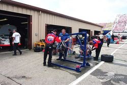 Geoffrey Bodine engine change