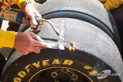 On juge la dégradation des pneus arrière