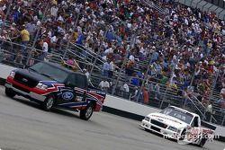 Pace lap: Carl Edwards