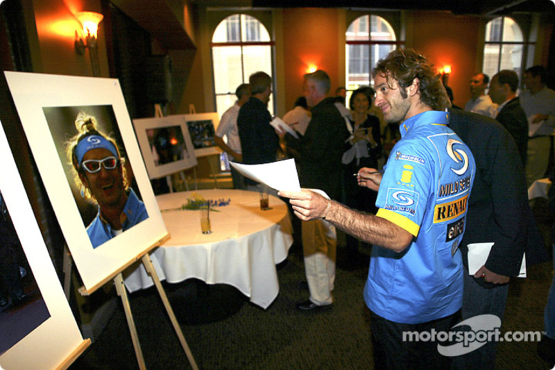 Renault F1 photographic competition award: Jarno Trulli