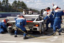 Arrêt aux stands pour la Porsche Fabcar n°59 du Brumos Racing