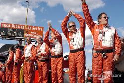 L'équipe fête la victoire de la Lexus Riley n°01 de CGR Grand Am