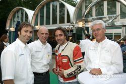 Heinz-Harald Frentzen, le directeur sport automobile d'Opel Volker Strycek, l'acteur Dieter Landuris, Dr. Uhland Burkart