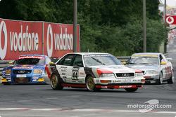 Audi parade: el ex jefe de Audi Sport Dieter Basche en el Audi V8 quattro de 1990