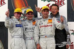 Podium : le vainqueur Gary Paffett avec Christijan Albers et Bernd Schneider
