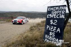 Аргентинские предприниматели устанавливают рекламу на допах