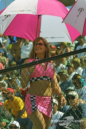 Une charmante Umbrella Girl
