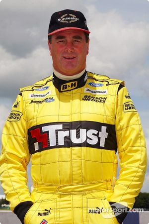 Nigel Mansell ready for track action