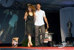 Roger Yasukawa, sa petite amie Hiro et leur chien Pete