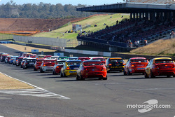 The grid ready for race 1