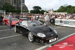 Parade des voitures exotiques : Spyker