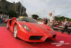 Parade des voitures exotiques : Ferrari Enzo