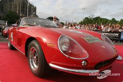 Parade des voitures exotiques : Ferrari 250GT