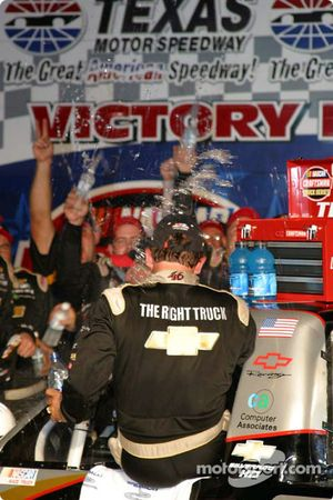 Dennis Setzer arrives in victory lane