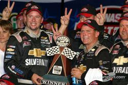 Dennis Setzer celebrates victory