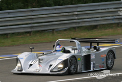 La Lola Caterpillar n°10 du Taurus Sports Racing (Phil Andrews, Anthony Kumpen, Calum Lockie)