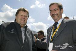 Startaufstellung: Mercedes-Sportchef Norbert Haug