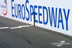 Ziellinie am EuroSpeedway Lausitz