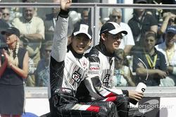 Desfile de pilotos: Takuma Sato y Jenson Button