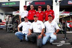 Olivier Panis, Ange Pasquali, Cristiano da Matta et Ricardo Zonta avec les pilotes Toyota en F3 Roberto Streit, Katsuyuki Hiranaka et Franck Perera